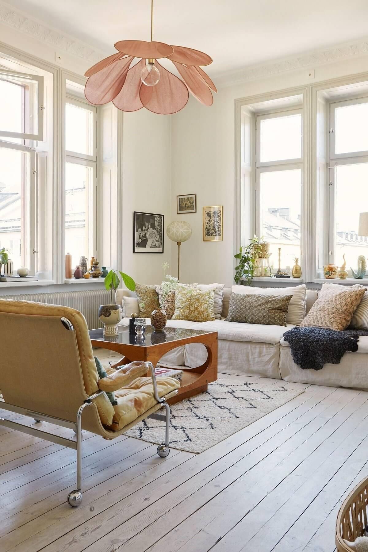 A Light and Charming Scandinavian Apartment