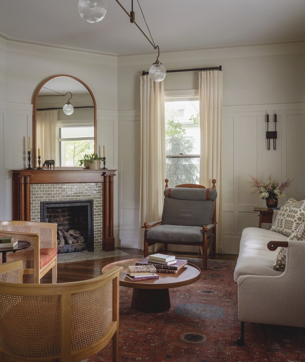 living-room-fireplace-iowa-city-house-jessica-helgerson-nordroom