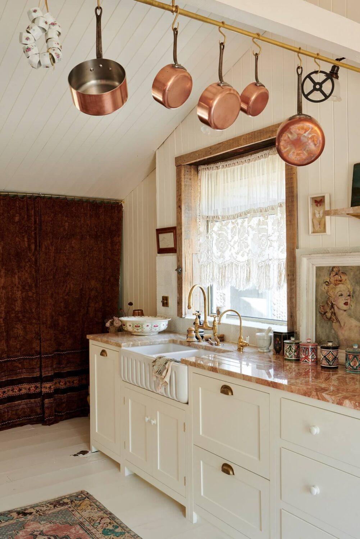 pearl-lowe-light-bohemian-beach-house-devol-kitchen-nordroom