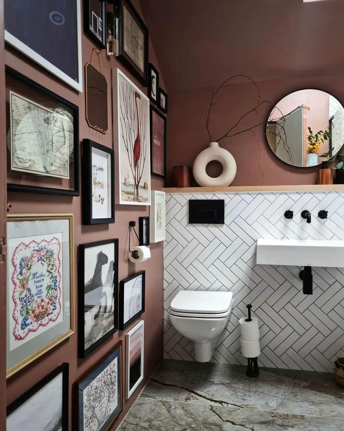 bathroom-gallery-wall-victorian-home-nordroom