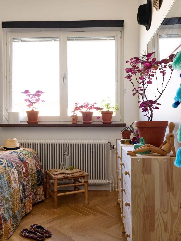 bedroom-wooden-floor-scandinavian-apartment-nordroom