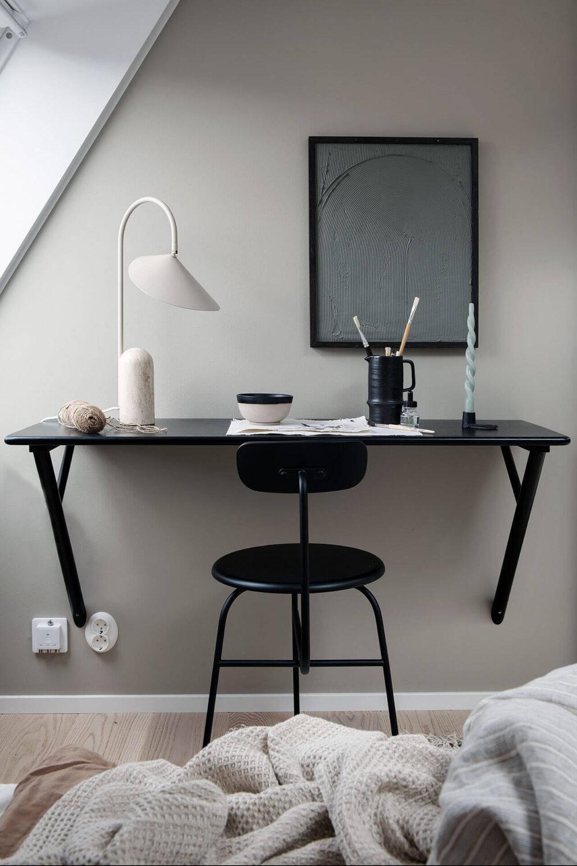 bedroom-workspace-scandinavian-attic-apartment-nordroom