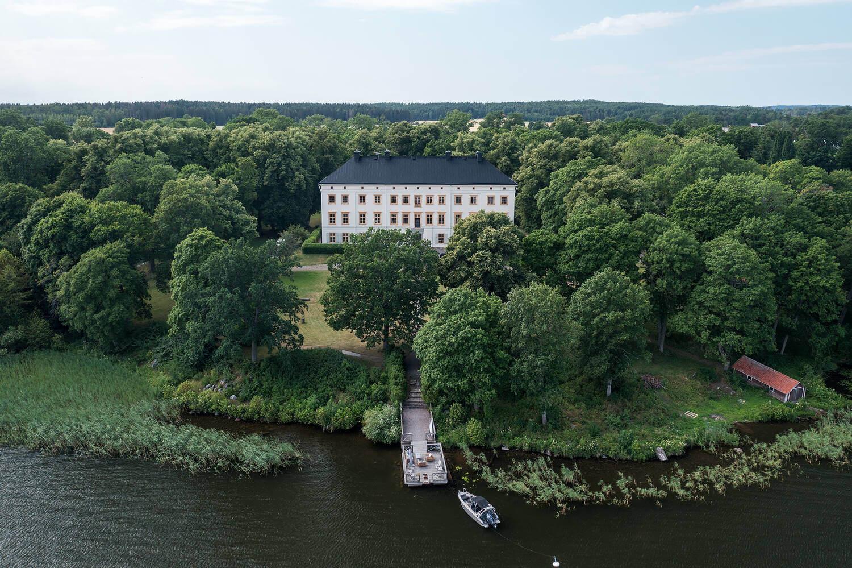 castle-conversion-in-sweden-nordroom