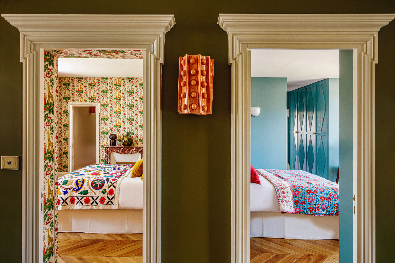 colorful-bedroom-eclectic-villa-france-nordroom