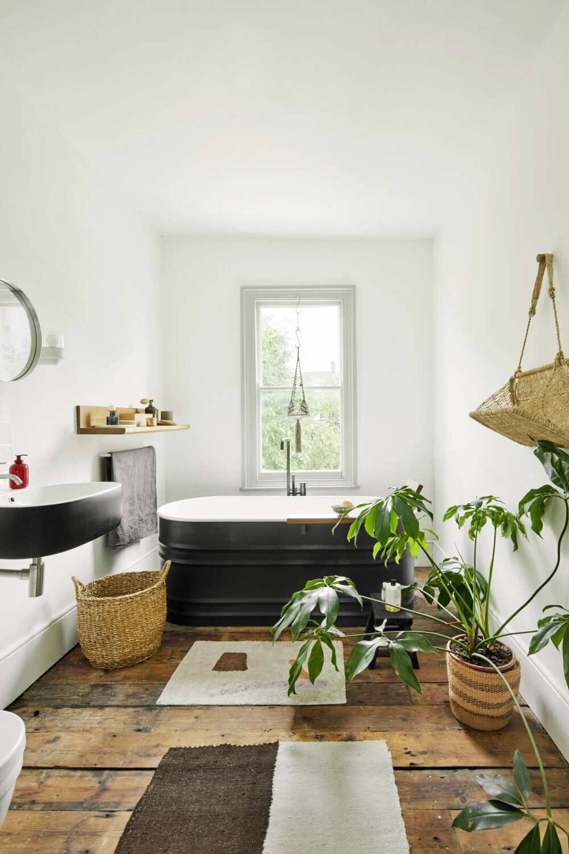 bathroom-wooden-floor-freestanding-bath-victorian-house-london-nordroom