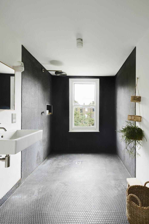 black-white-bathroom-victorian-house-london-nordroom