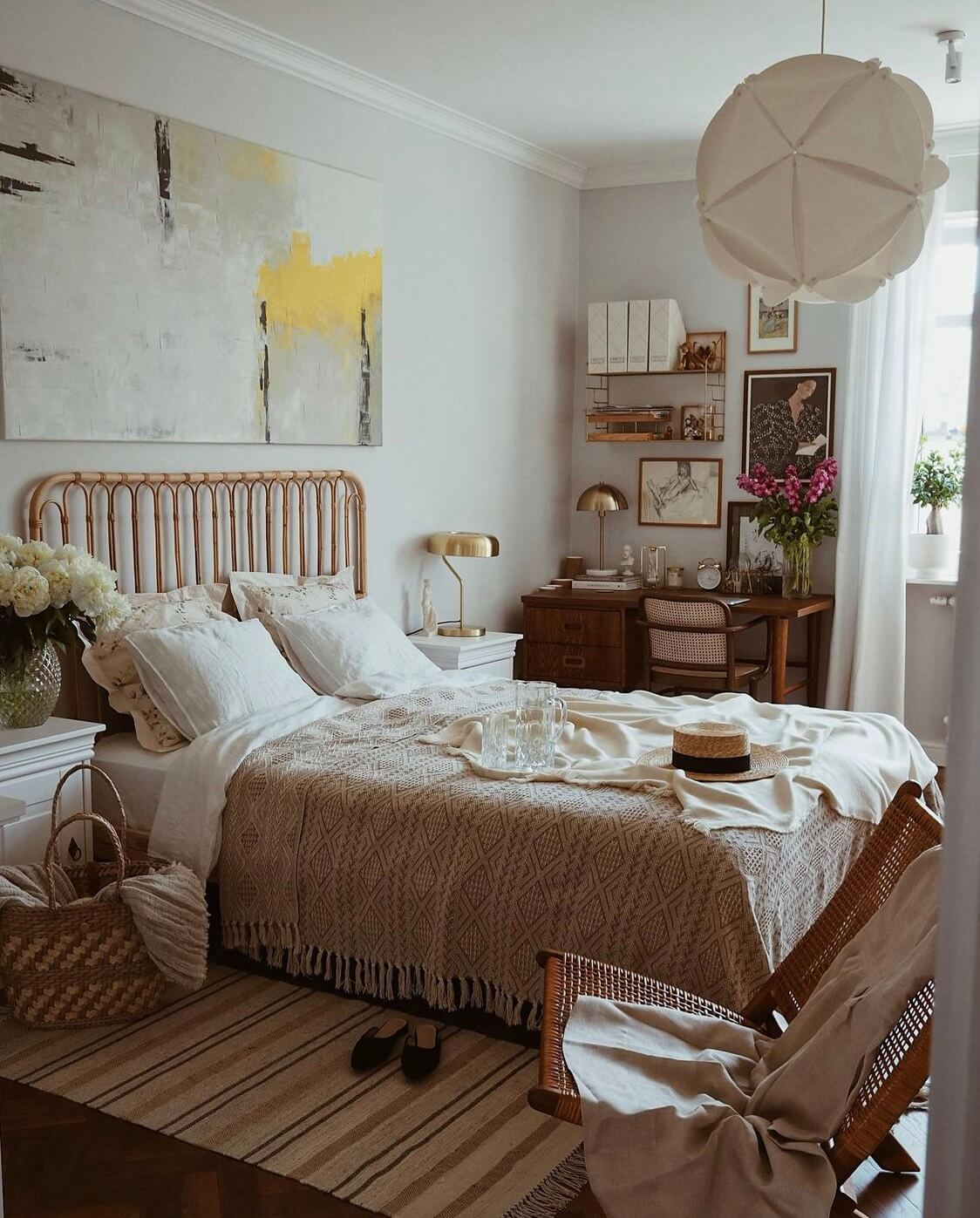 earthy-bedroom-workspace-warm-apartment-nordroom