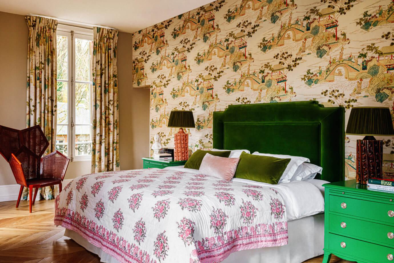 eclectic-bedroom-green-velvet-headboard-countryside-villa-france-nordroom