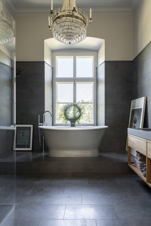gray-bathroom-freestanding-bath-nordroom