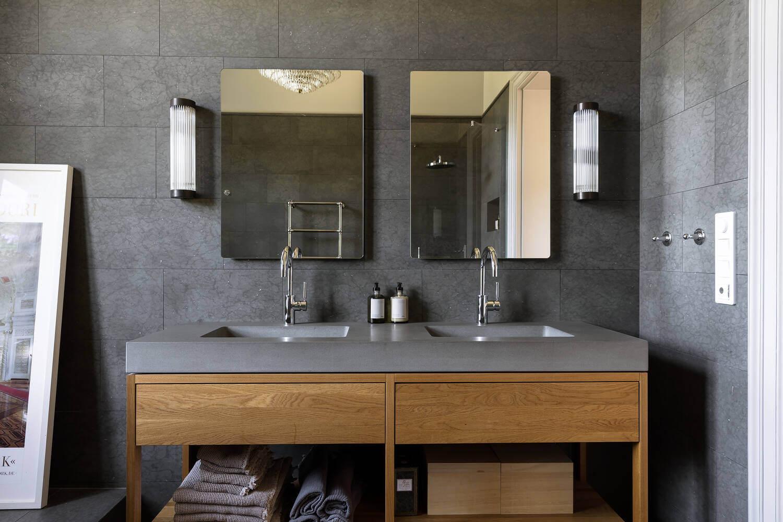 gray-bathroom-nordic-home-nordroom