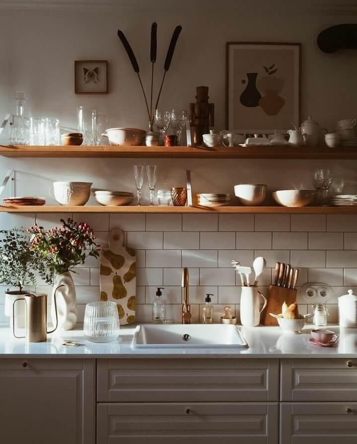 kitchen-shelves-natural-light-nordroom