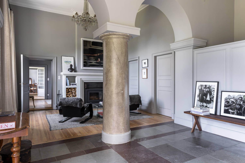 open-plan-entry-castle-apartment-sweden-nordroom