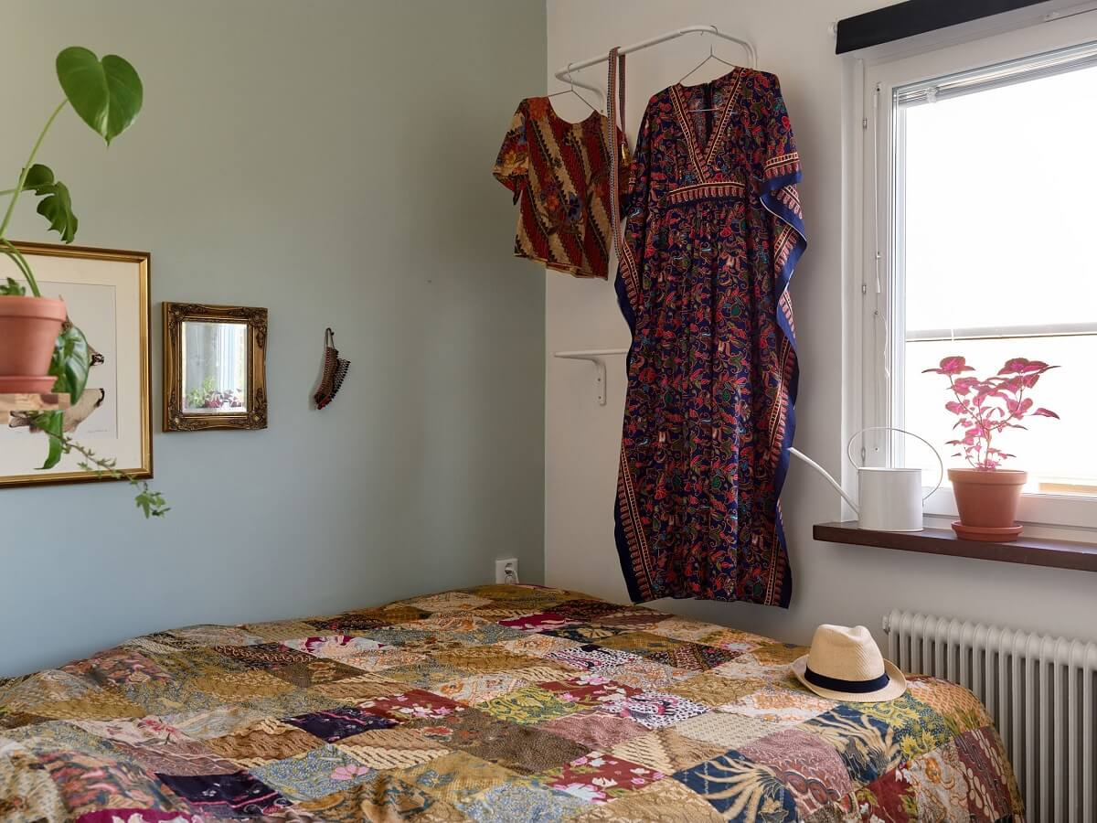 small-bedroom-blue-green-walls-nordroom