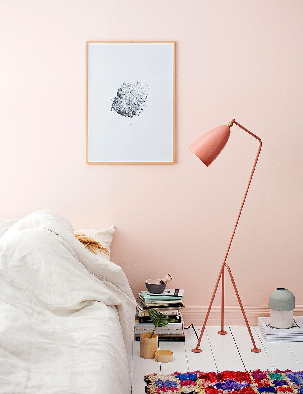 subtle-pink-bedroom-grasshopper-lamp-color-trends-2022-nordroom
