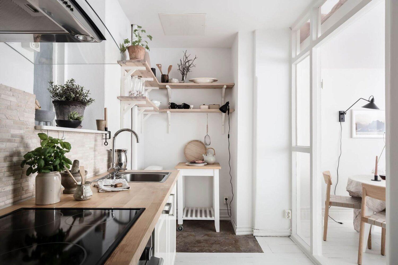 white-scandinavian-studio-apartment-loft-bed-nordroom