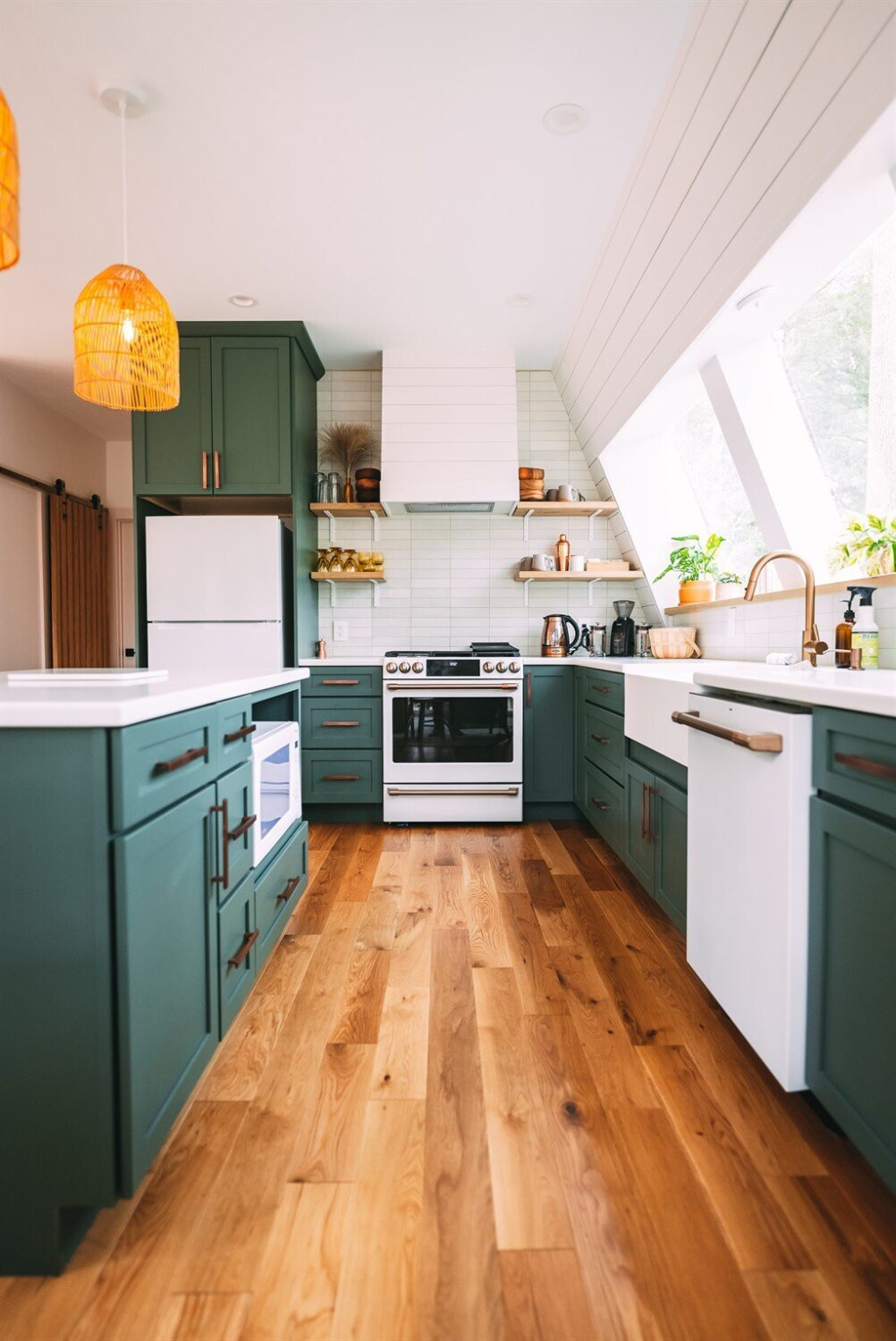 green-kitchen-a-frame-cabin-airbnb-ohio-nordroom