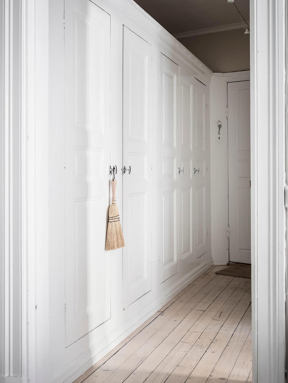 built-in-closets-scandinavian-home-nordroom