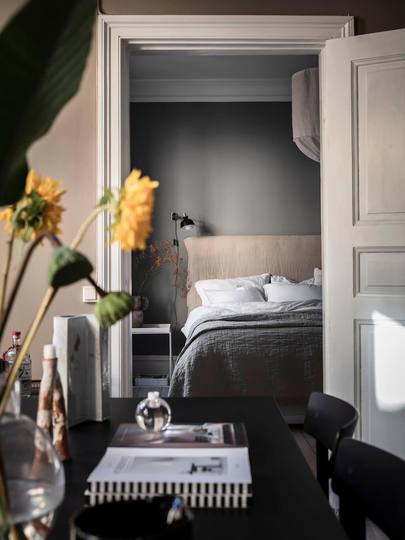 gray-bedroom-nordroom