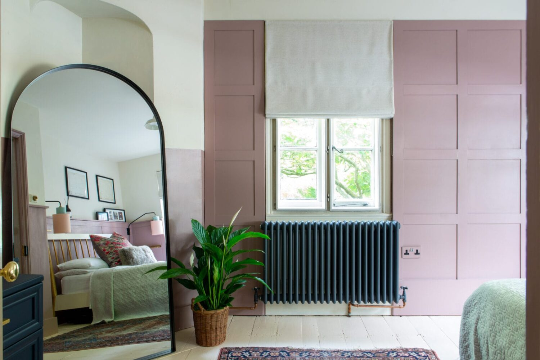 pink-bedroom-large-mirror-nordroom