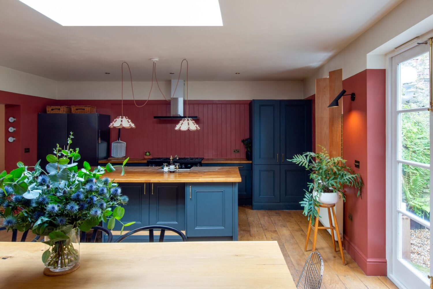 terracotta-kitchen-petrol-blue-cabinets-nordroom