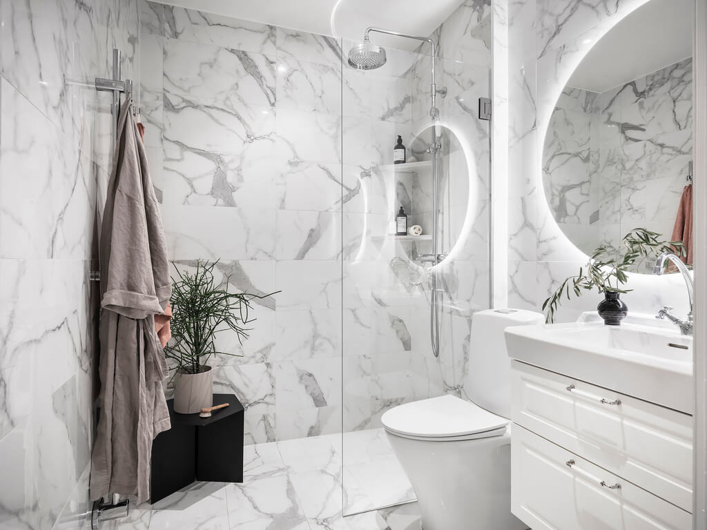 white-marble-bathroom-scandinavian-design-nordroom